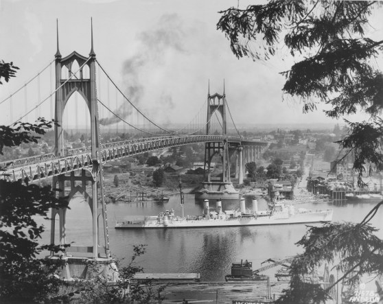 1935  St Johns Bridge (Photo Portland City Archives)