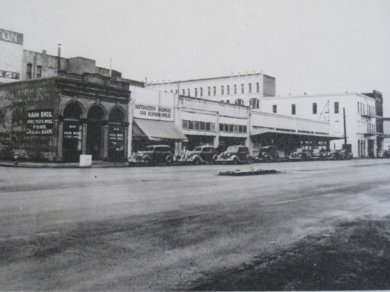 1941 Front Street Looking north from Taylor (from the Oregon Historical Society)