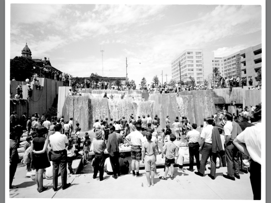 1970 Forecourt fountain dedication (Portland City Archives)