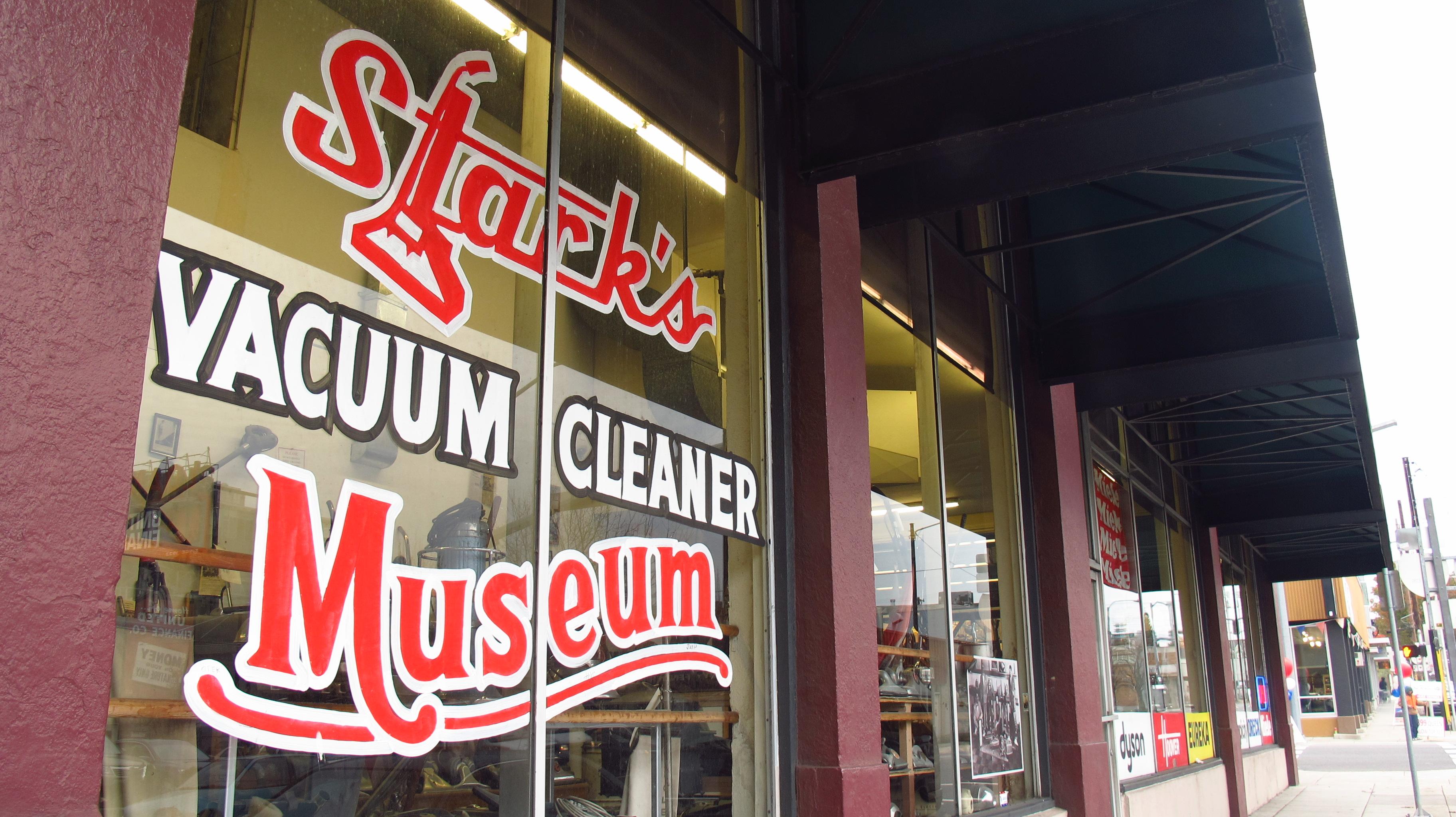 Outside Starks Vacuum Museum