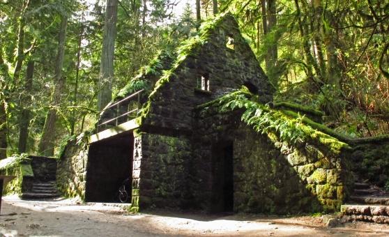 Macleay Stone House