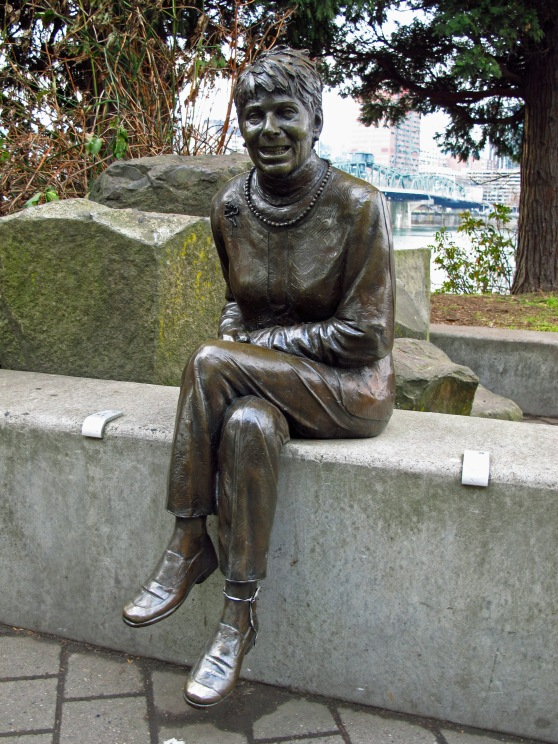 Vera Katz statue on the East bank Esplanade