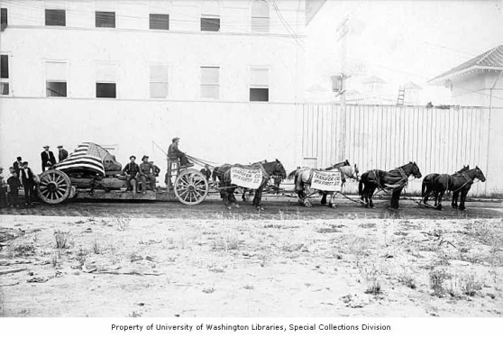 Wagon with eight horse team transporting the Willamette Meteorite at the Lewis and Clark Exposition 1905