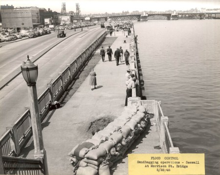 Harbor Drive 1948 sandbagging during high water (Photo City archives)